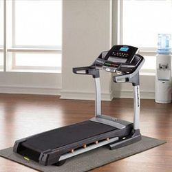 NordicTrack® 3CHP Folding Treadmill, C900